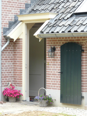 Almen woonboerderij deur
